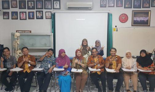 STUDENT INBOUND DARI UNIVERSITI KEBANGSAAN MALAYSIA (UKM) MENAMBAH WAWASAN TENTANG KEILMUAN FISIOTERAPI BAGI MAHASISWA FISIOTERAPI UKM DAN UNAIR